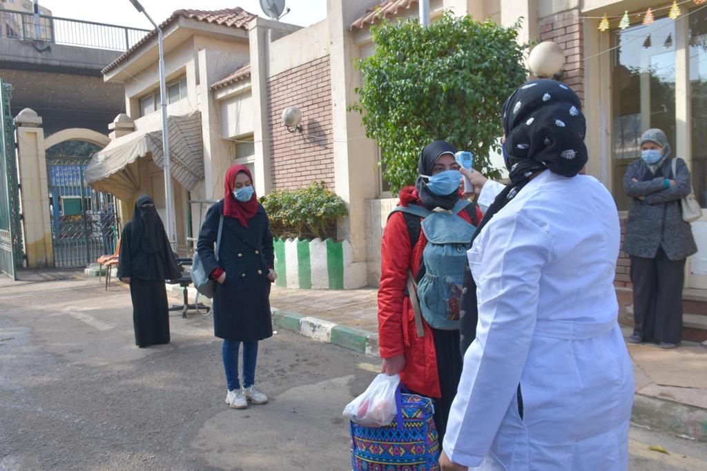 مدن جامعة القاهرة تستقبل طلابها المغتربين والوافدين