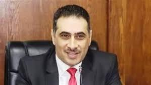 د محمود السعيد عميد الكلية الحالى
