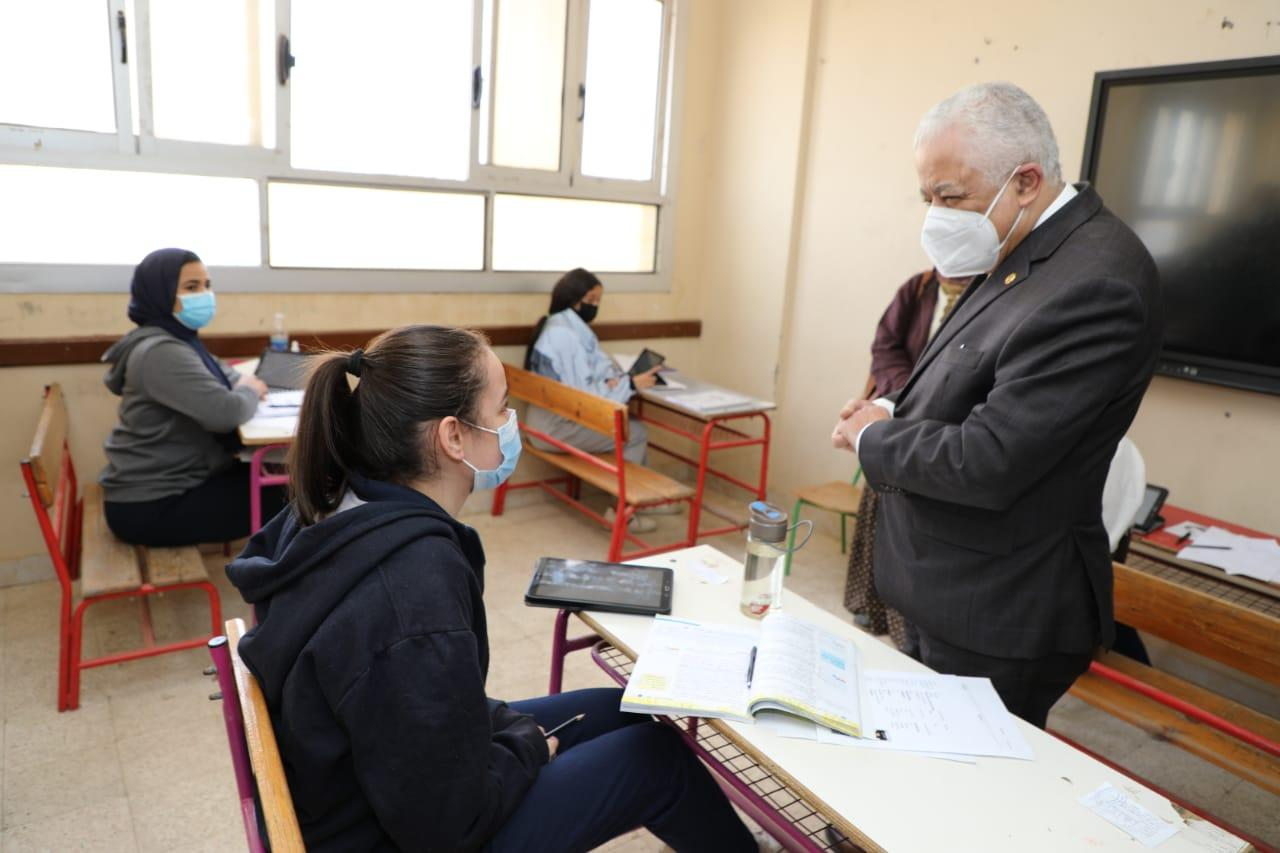 """""""أمهات مصر"""" يكشف كواليس ليلة أول إمتحان بالفصل الدراسي الثاني"""