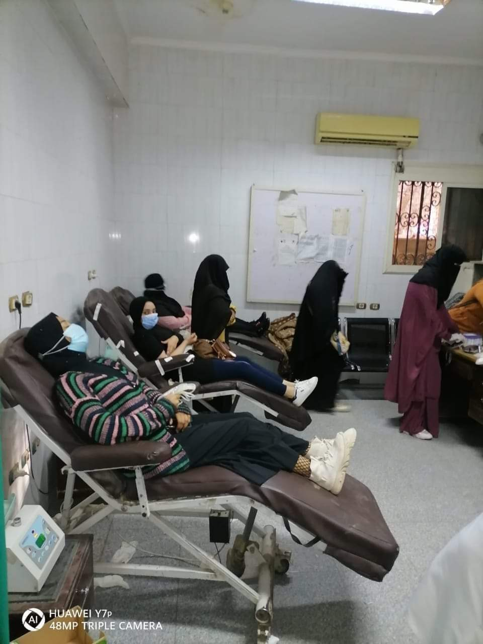 مدير مستشفى سوهاج الجامعي: ملحمة من الطلاب والمواطنين في التبرع بالدم لضحايا حادث القطار