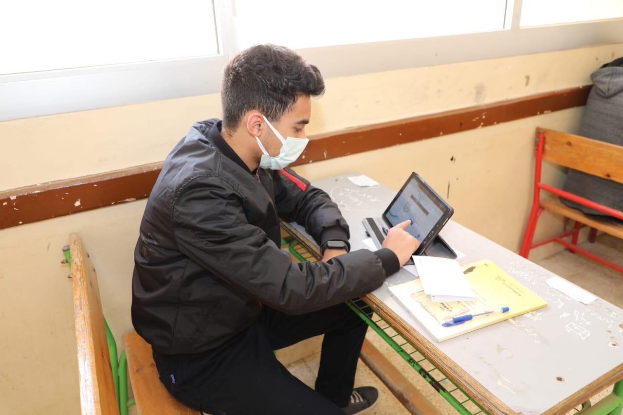 أمهات مصر: صعوبة امتحاني الأحياء والفلسفة لطلاب الثاني الثانوي و شكاوي من ضيق الوقت