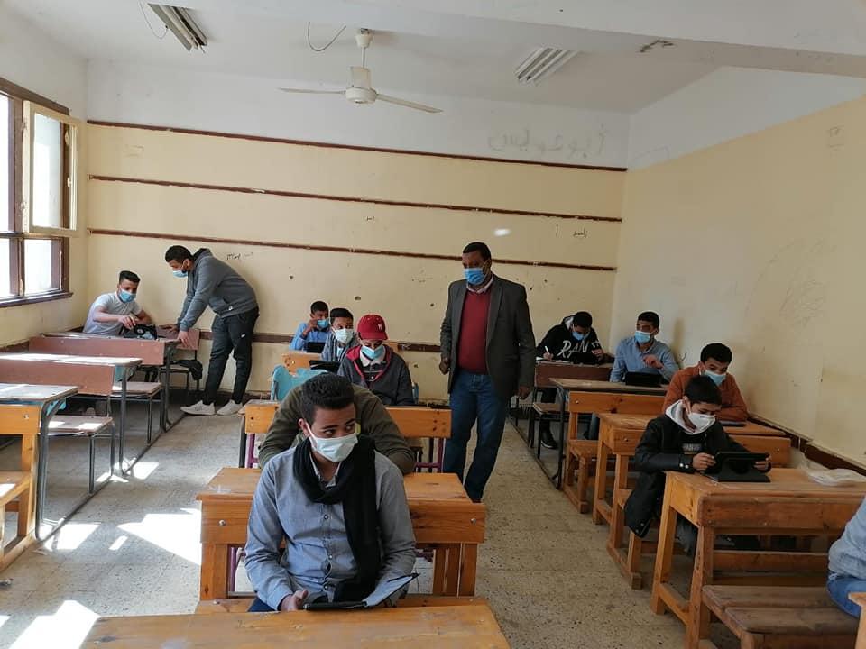التعليم: 97 % نسبة حضور الصف الأول الإعدادي في امتحان الفصل الدراسي الأول