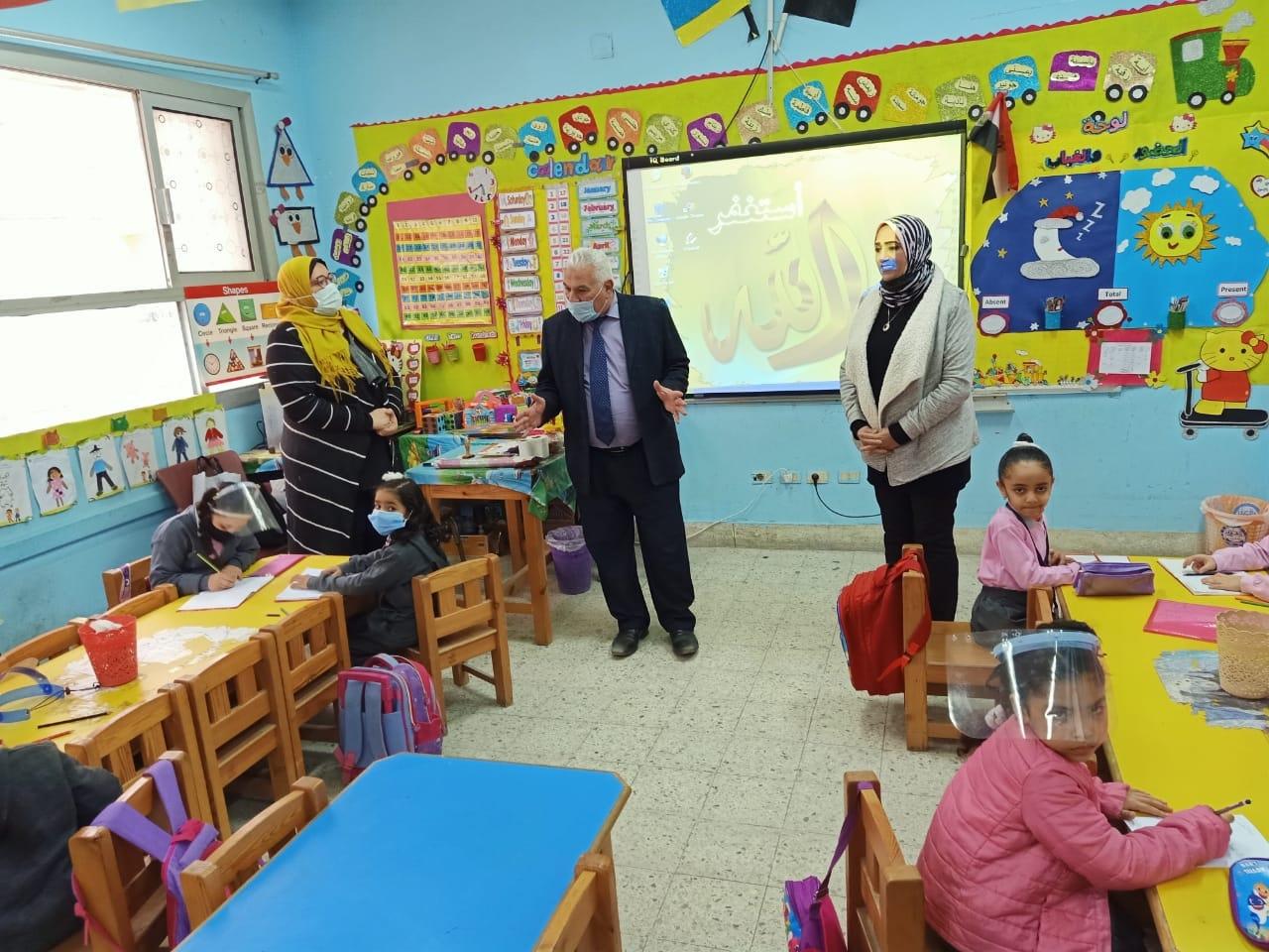 وكيل تعليم الإسكندرية: انتظام العملية التعليمية بالمحافظة واستعداد جميع مدارس لاستقبال الطلاب