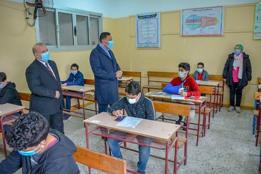 محافظ الدقهلية: 826 ألف طالب ابتدائي و358 ألف بالإعدادي يؤدون امتحانات مارس