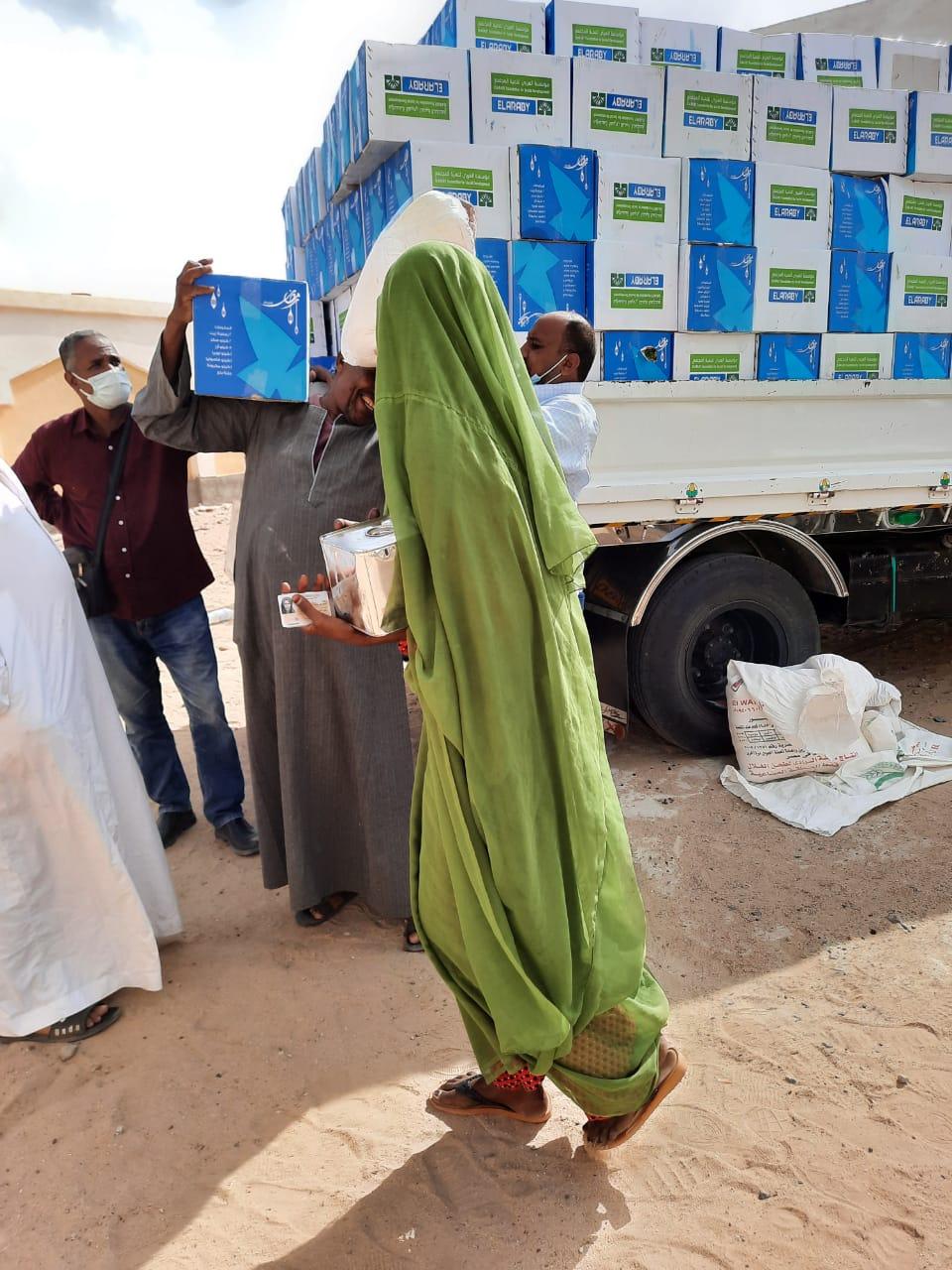 قاقلة الأزهر الخيرية تواصل توزيع المساعدات على مواطني حلايب وشلاتين مع قرب حلول شهر رمضان المبارك