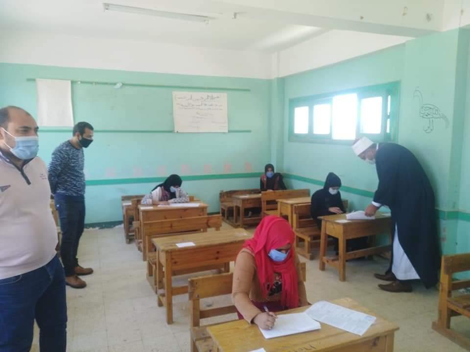 رئيس منطقة جنوب سيناء الأزهرية يتابع سير الامتحانات