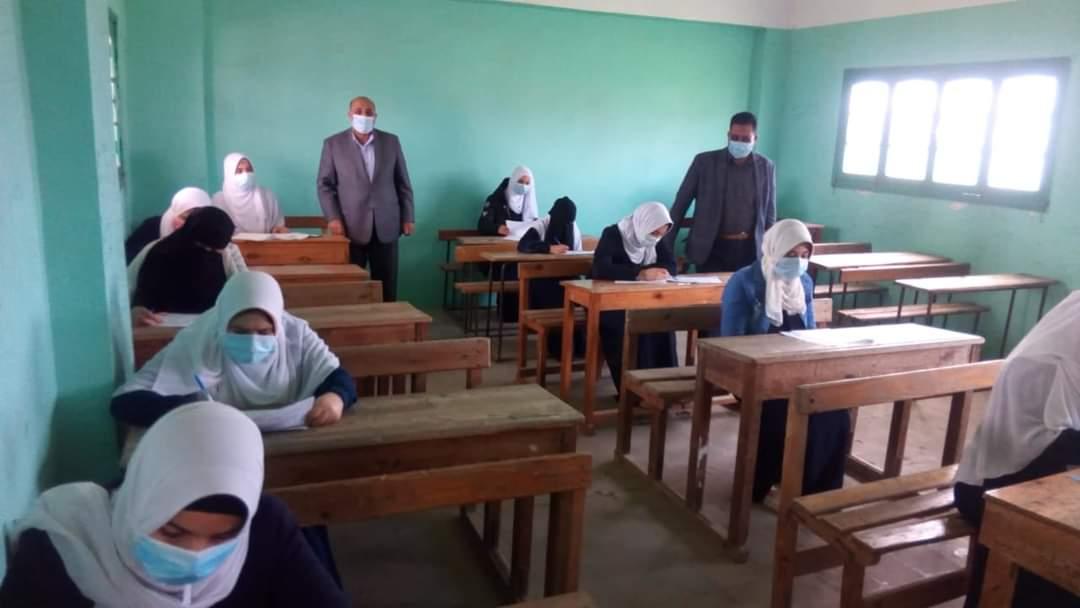 طلاب الأزهر يؤدون امتحانات الفصل الأول لليوم الخامس دون شكاوى