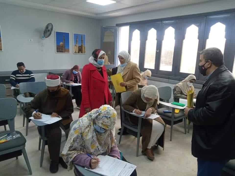 هدوء تام واستقرار في لجان امتحانات البرنامج الدولي لإعداد معلمي الناطقين بغير العربية