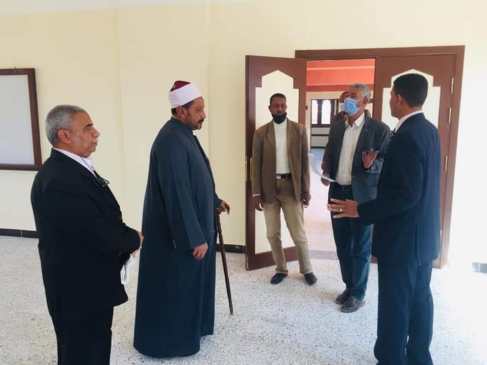 رئيس منطقة البحر الأحمر الأزهرية يرأس لجنة استلام معهد ملحقة سفاجا الابتدائي