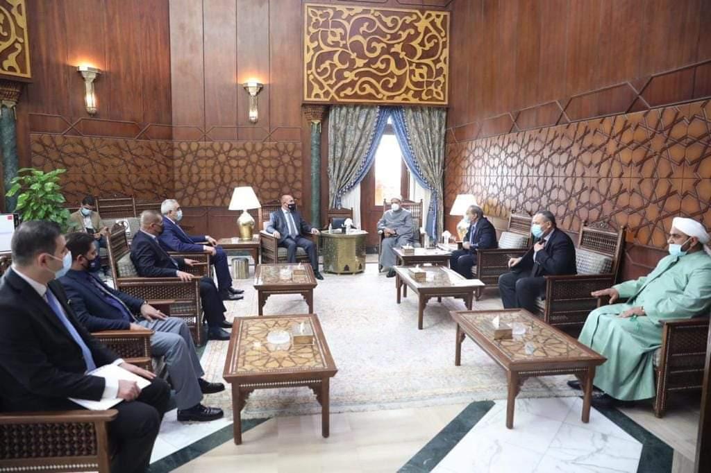 الإمام الأكبر يستقبل وفدا عراقيا لبحث سبل التعاون المشترك