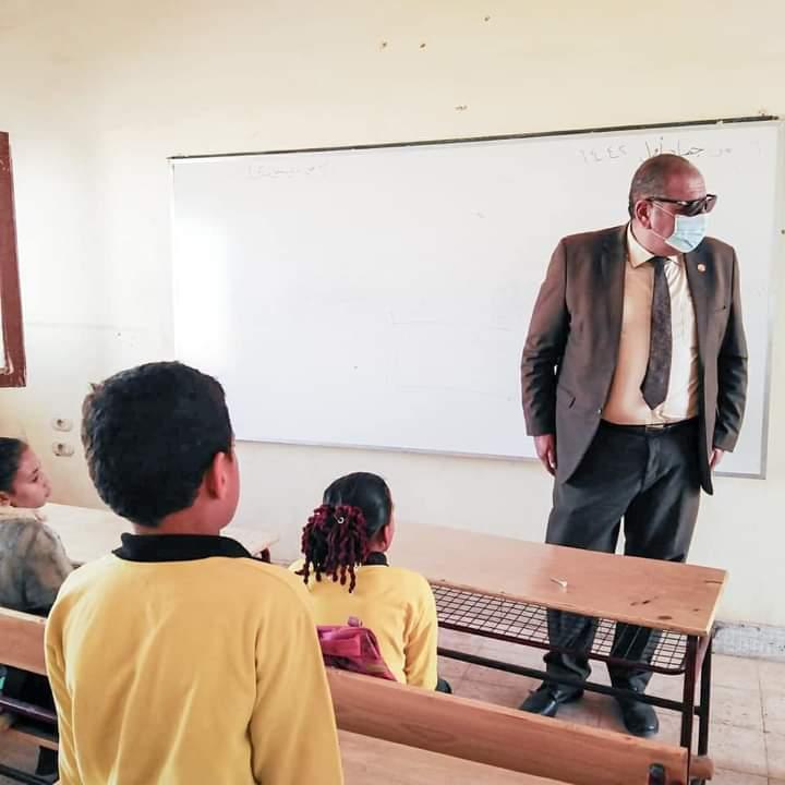 إحالة العاملين بمدرسة في الوادي الجديد للتحقيق