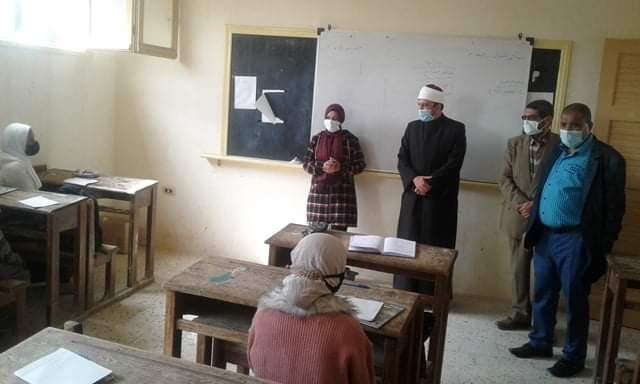 الوكيل الشرعي للإسكندرية يتفقد سير العملية التعليمية بمعاهد المنطقة