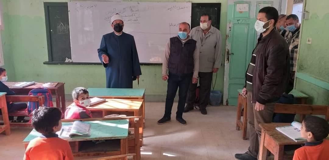 رئيس منطقة المنوفية الأزهرية يتفقد سير العملية التعليمية بمعاهد شبين الكوم