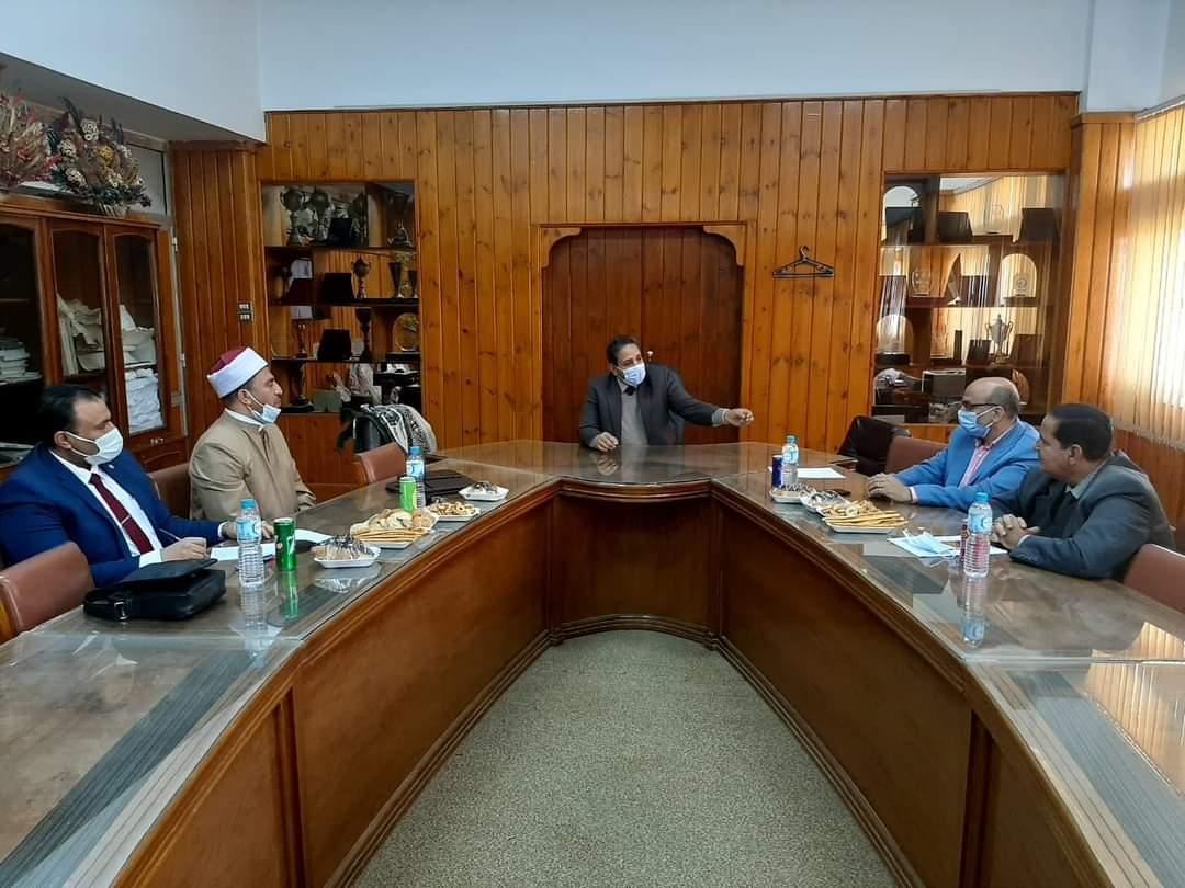 نائب رئيس جامعة الأزهر يوجه المكتب الفني لمتابعة ملف الجودة بكليات الفرع بأسيوط