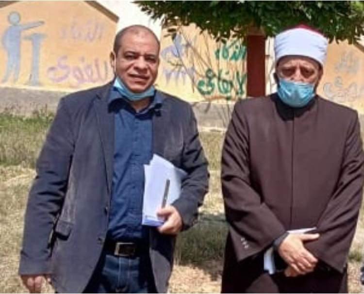 الوكيل الشرعي للإسكندرية يتفقد ختام اختبارات شهر مارس لطلاب النقل الثانوي