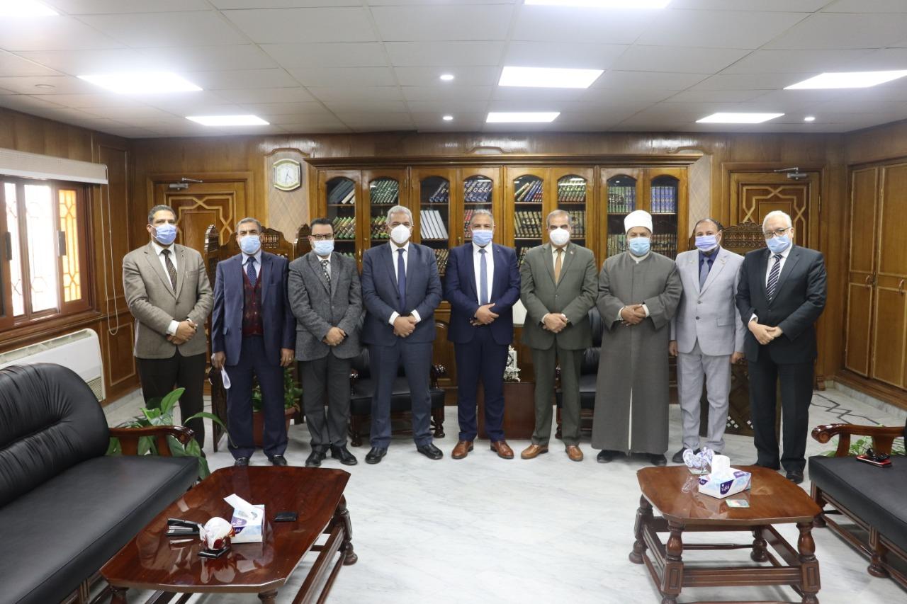 رئيس مجلس الوزراء يصدر قرارا بتعيين محمد خضر نائبا لرئيس جامعة الأزهر