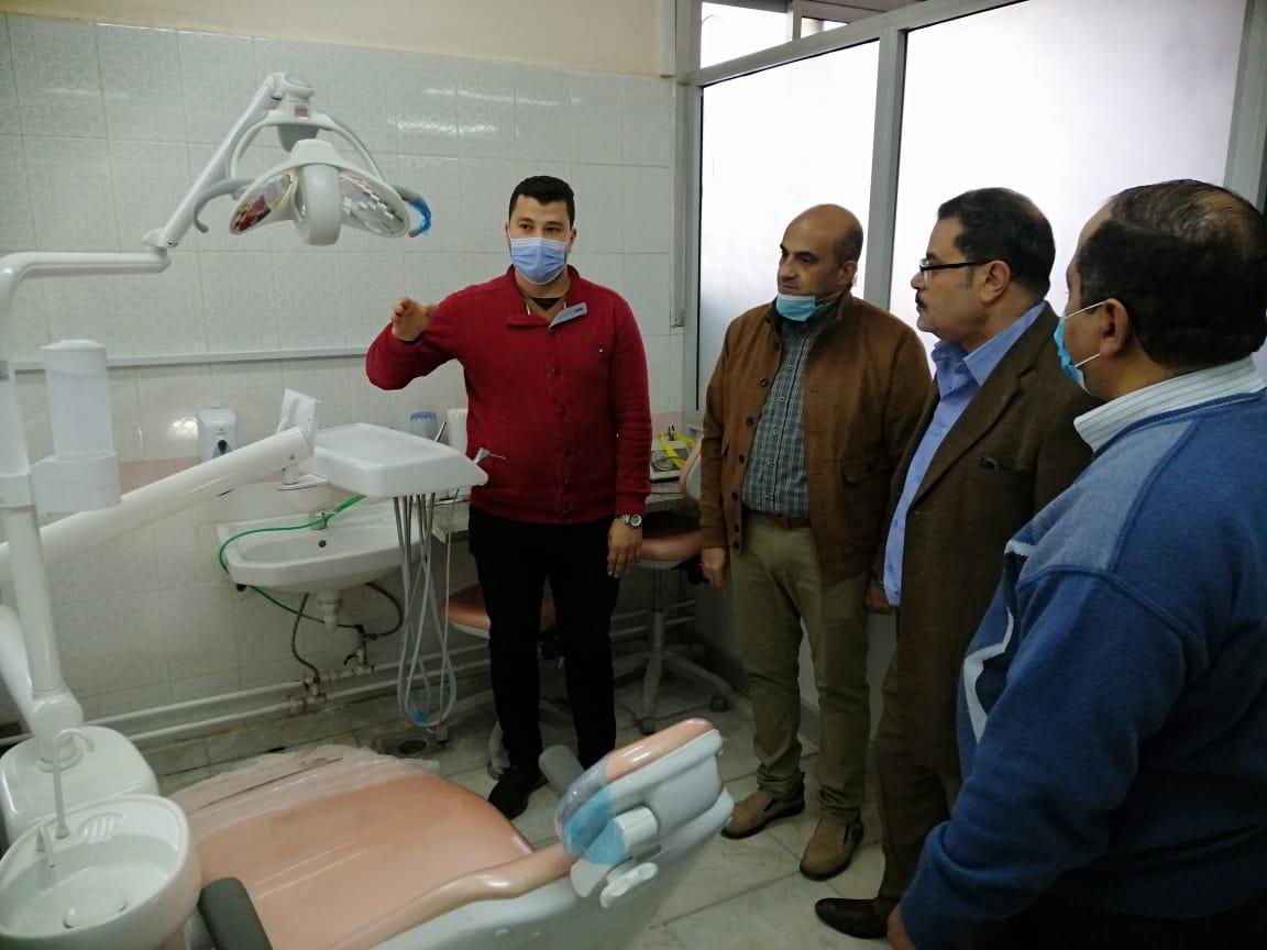 نائب رئيس جامعة الأزهر يتفقد الإدارة العامة للخدمات الطبية