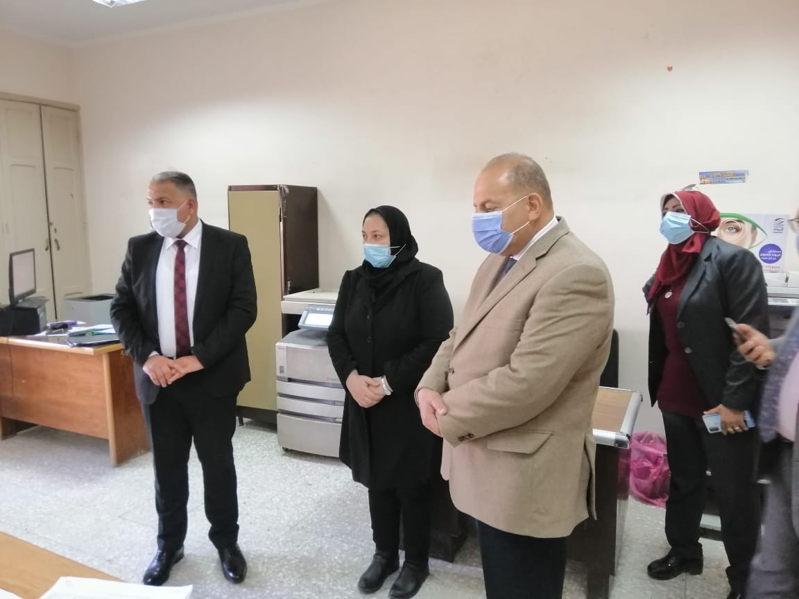 نائب رئيس جامعة الأزهر يتفقد الإدارة الطبية لفرع البنات