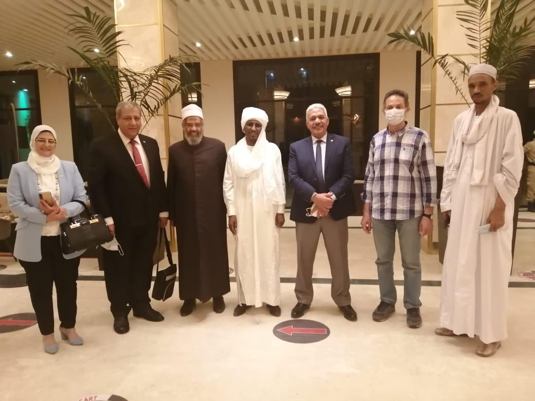 مستشار رئيس تشاد يستقبل وفد جامعة الأزهر