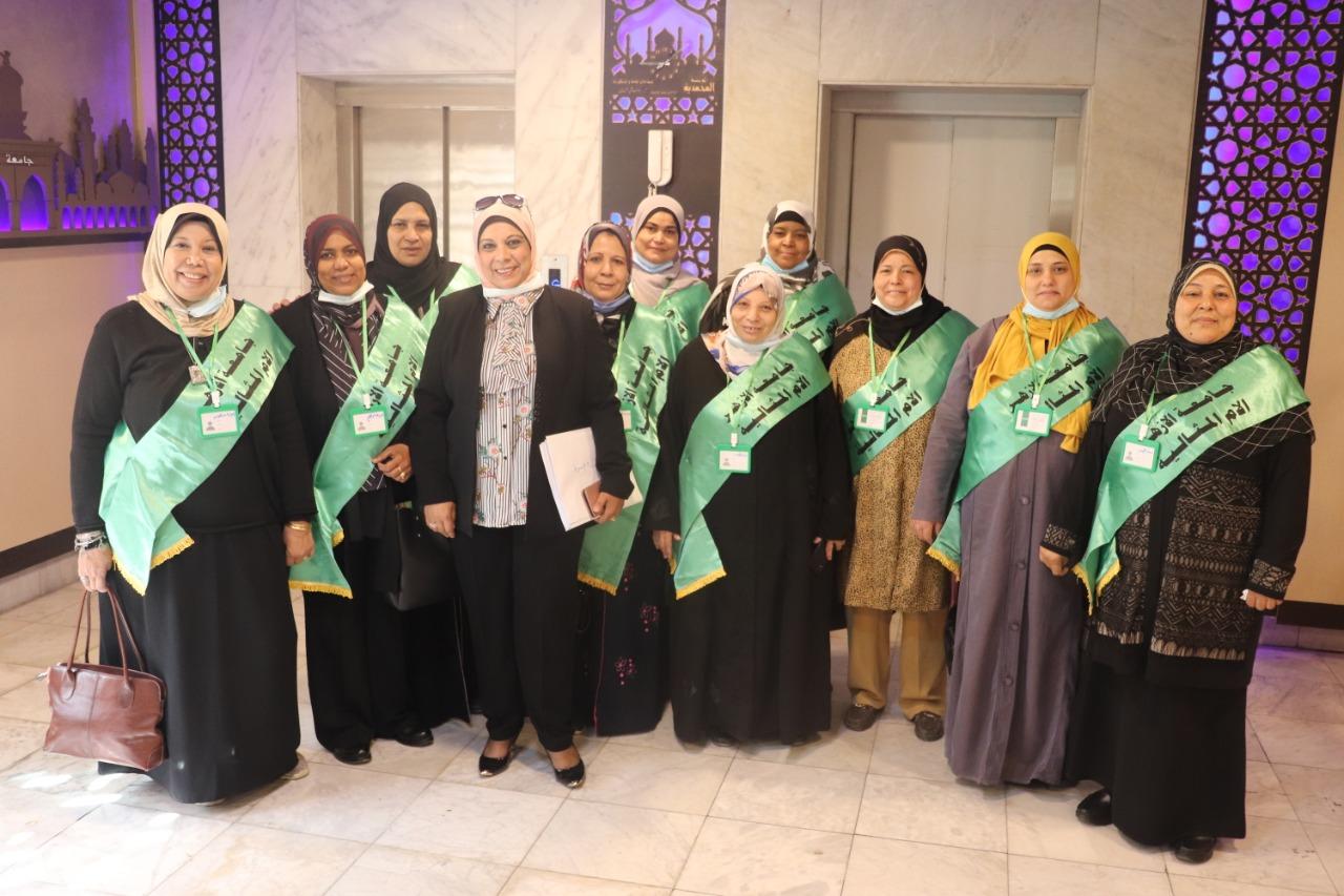 مجلس جامعة الأزهر يكرم الأمهات المثاليات صور