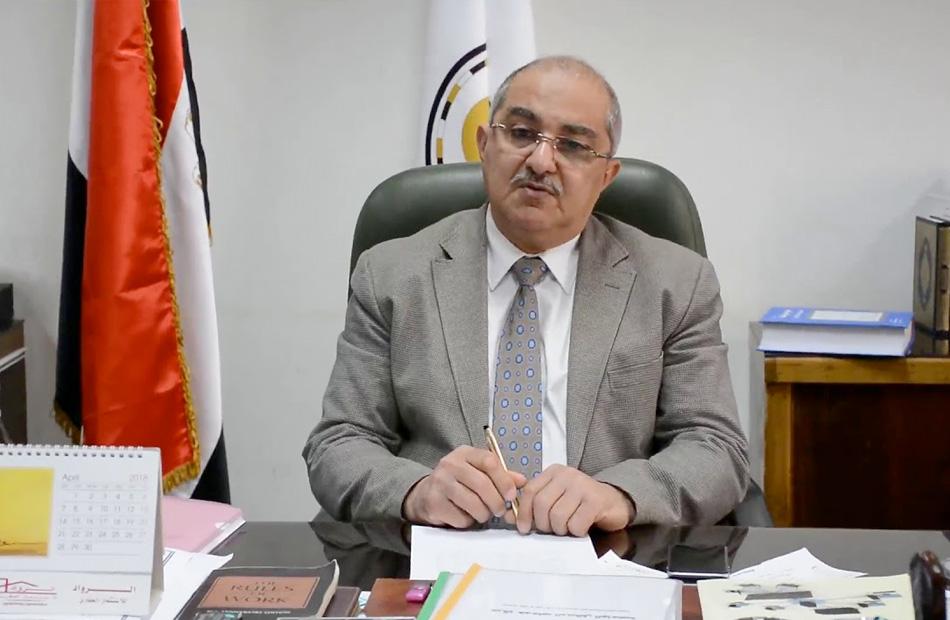 رئيس جامعة أسيوط يقرر تخفيض حضور العاملين إلى 25 %