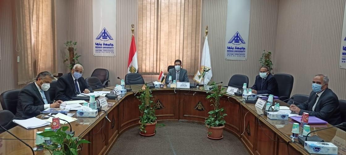 رئيس جامعة بنها يترأس لجنة اختيار عميد كلية الحاسبات والذكاء الاصطناعى