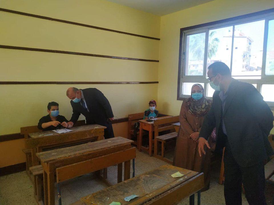 تعليم الدقهلية: ١٣٧ ألف طالب حضروا امتحانات اليوم بمدارس المحافظة