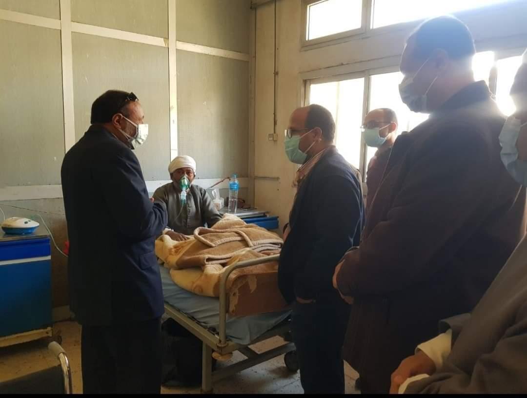 نائب رئيس جامعة الأزهر يتفقد المستشفى الجامعي بأسيوط