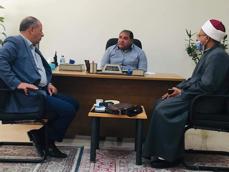 رئيس منطقة البحر الأحمر الأزهرية يلتقي السكرتير العام للمحافظة