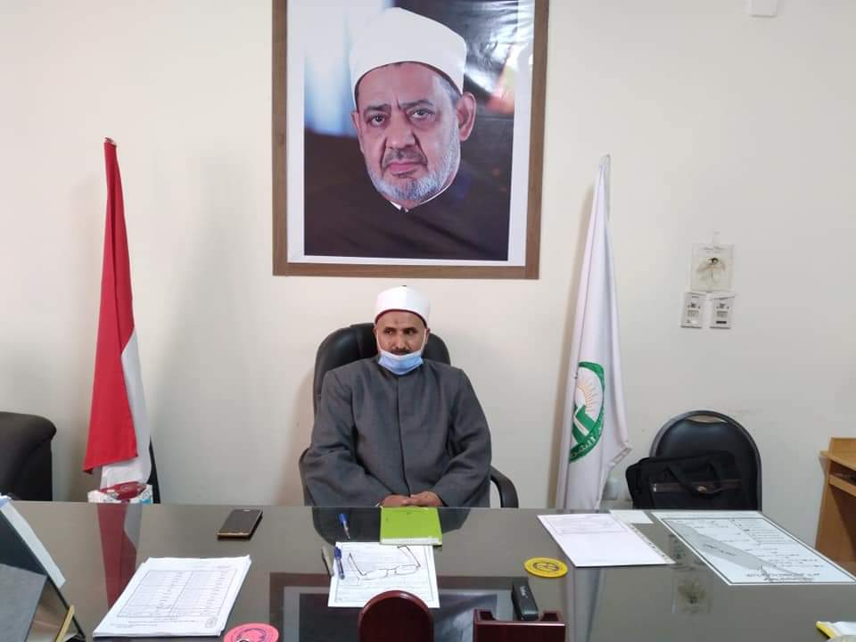 رئيس منطقة البحر الأحمر الأزهرية يجتمع بمديري الإدارات التعليمية