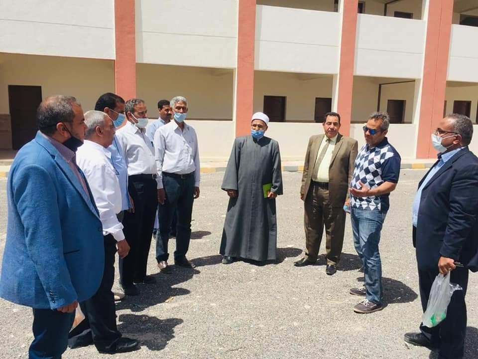 رئيس منطقة البحر الأحمر الأزهرية يرأس لجنة معاينة معهد سفاجا النموذجي