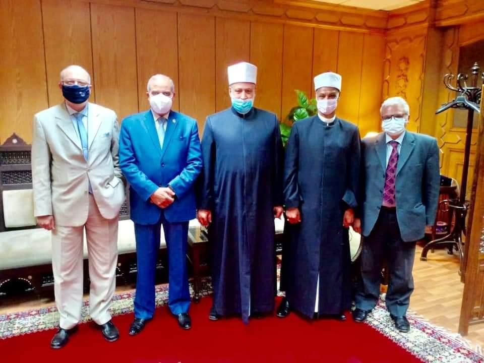 رئيس منطقة الإسكندرية يلتقي وكيل الأزهر ورئيس جامعة الأزهر لافتتاح بعض المعاهد