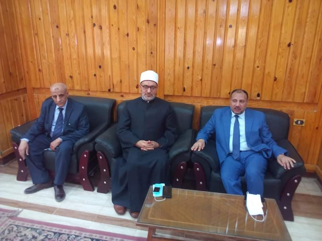 نائب رئيس جامعة الأزهر يستقبل وفد مجمع البحوث الاسلامية