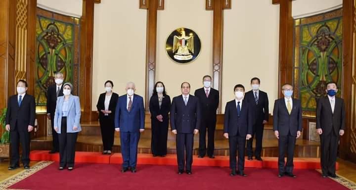 """بحضور """"شوقي"""".. الرئيس السيسي يجتمع بالمشرفين على المدارس اليابانية"""