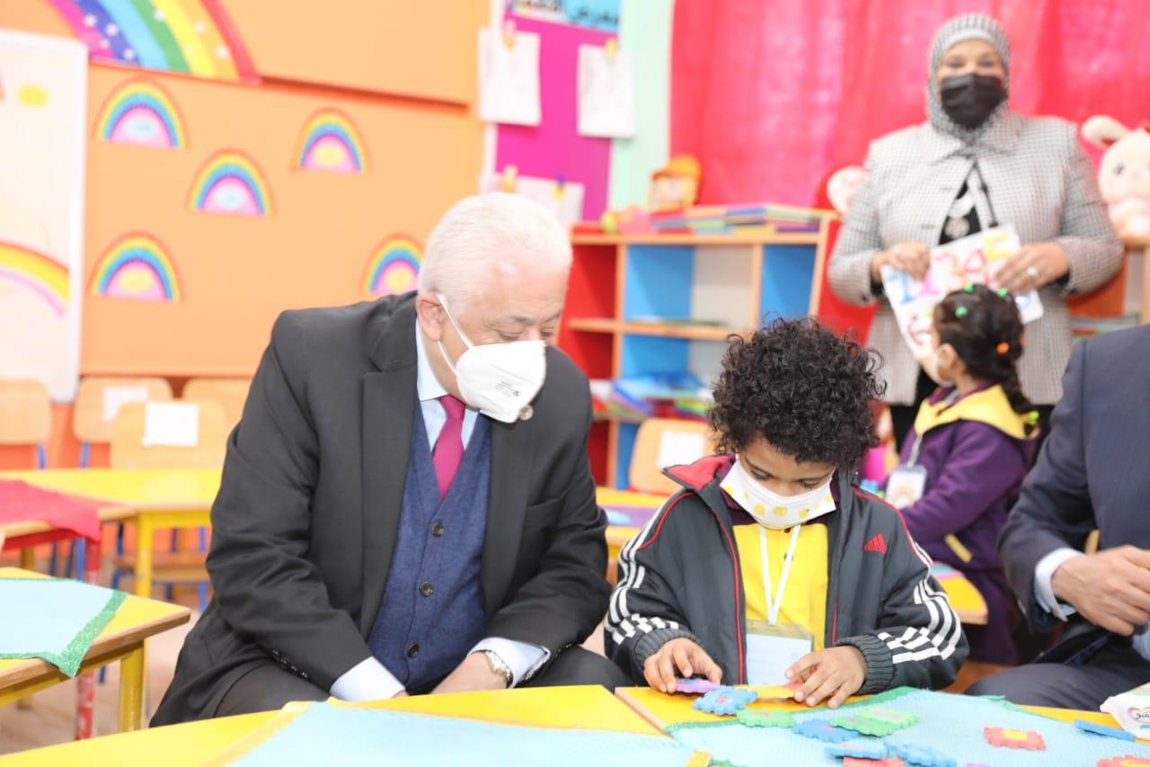 طارق شوقي ردًا على شائعات جودة التعليم: استنساخ ساذج لخبر قديم