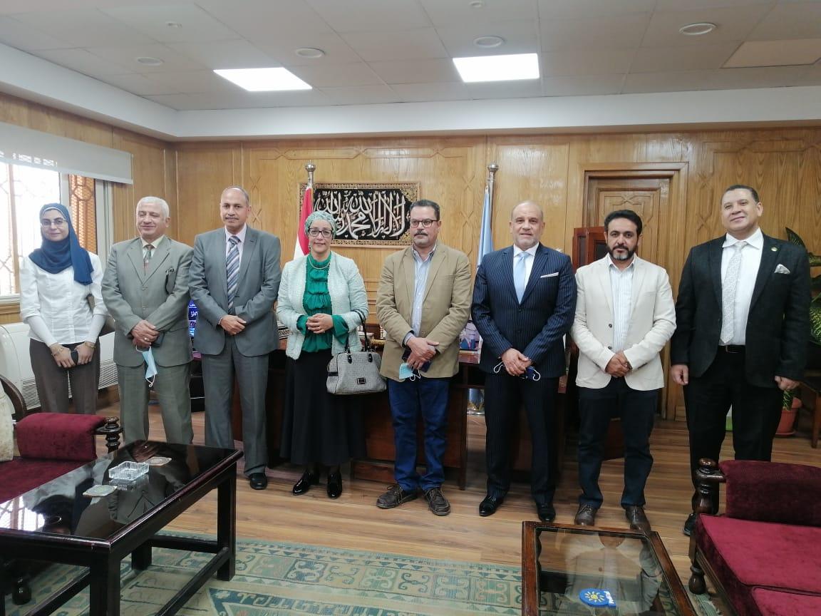 نائب رئيس جامعة الأزهر يبحث سبل التعاون مع معهد تكنولوجيا المعلومات والاتصالات