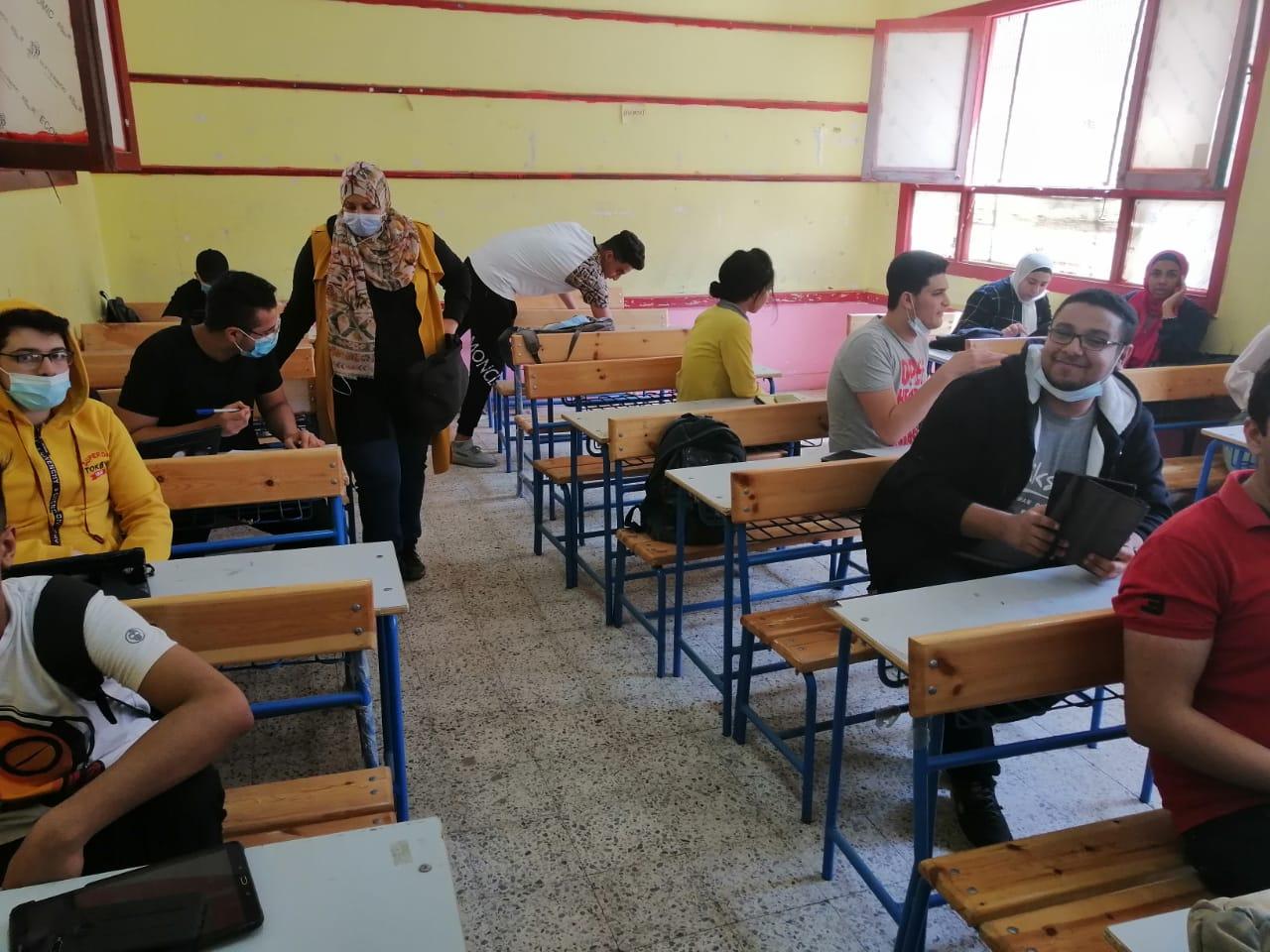 """مؤسس """"أمهات مصر"""" تناشد أولياء أمور الثانوية بتهيئة المناخ لأبنائهم لاستكمال الاختبارات التجريبية"""