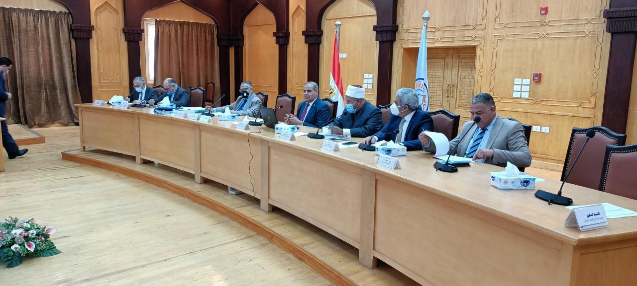مجلس جامعة الأزهر يقدم التهنئة لرئيس الجمهورية بمناسبة ذكرى تحرير سيناء