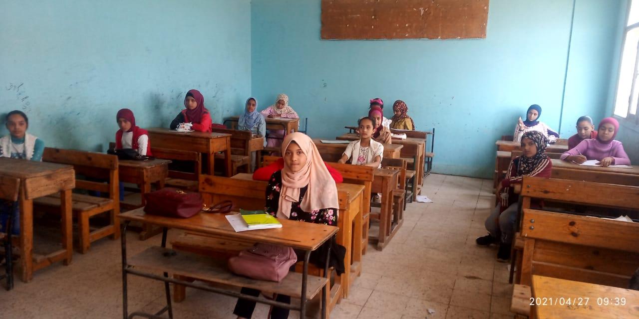 """""""أمهات مصر"""" يناشد بمراعاة ظروف كورونا بامتحانات الشهادتين الإعدادية والثانوية"""