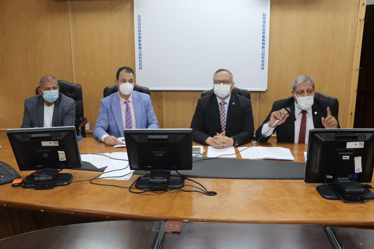 مجلس طب الأزهر يشدد على الالتزام بالإجراءات الاحترازية لمواجهة كورونا