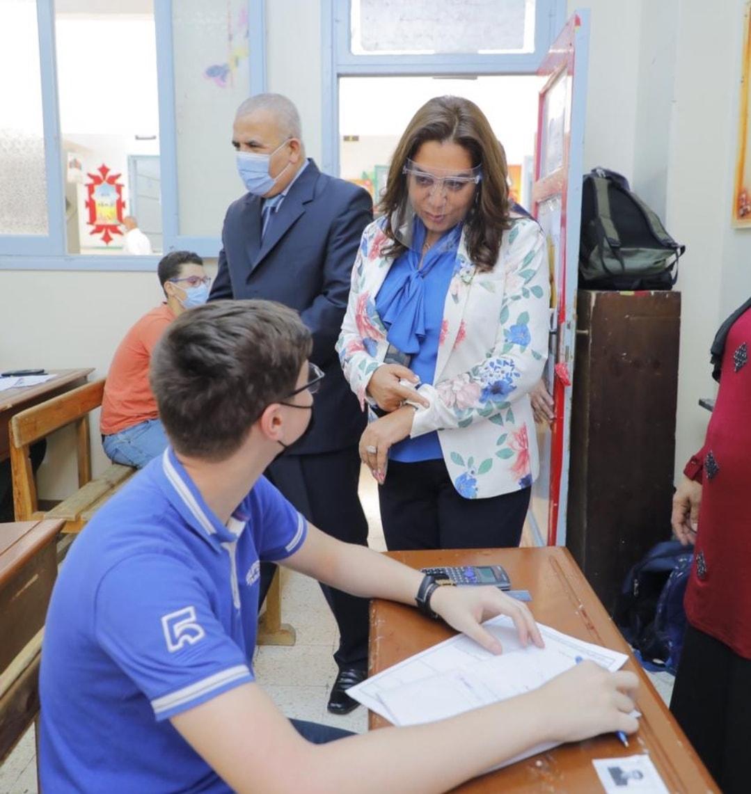محافظ دمياط تتابع سير عملية امتحانات الفصل الدراسي الثاني للشهادة الإعدادية