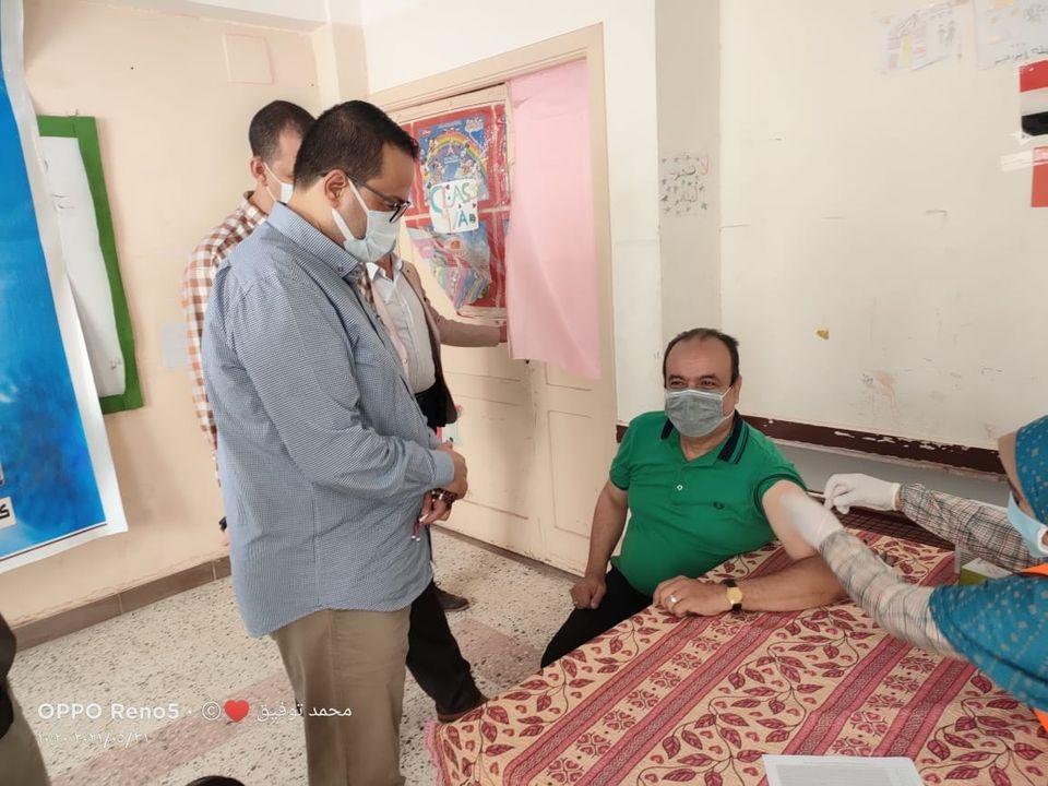 هالة زايد: 408 مراكز لتلقي لقاح كورونا وخط ساخن لتطعيم لغير القادرين على الحركة