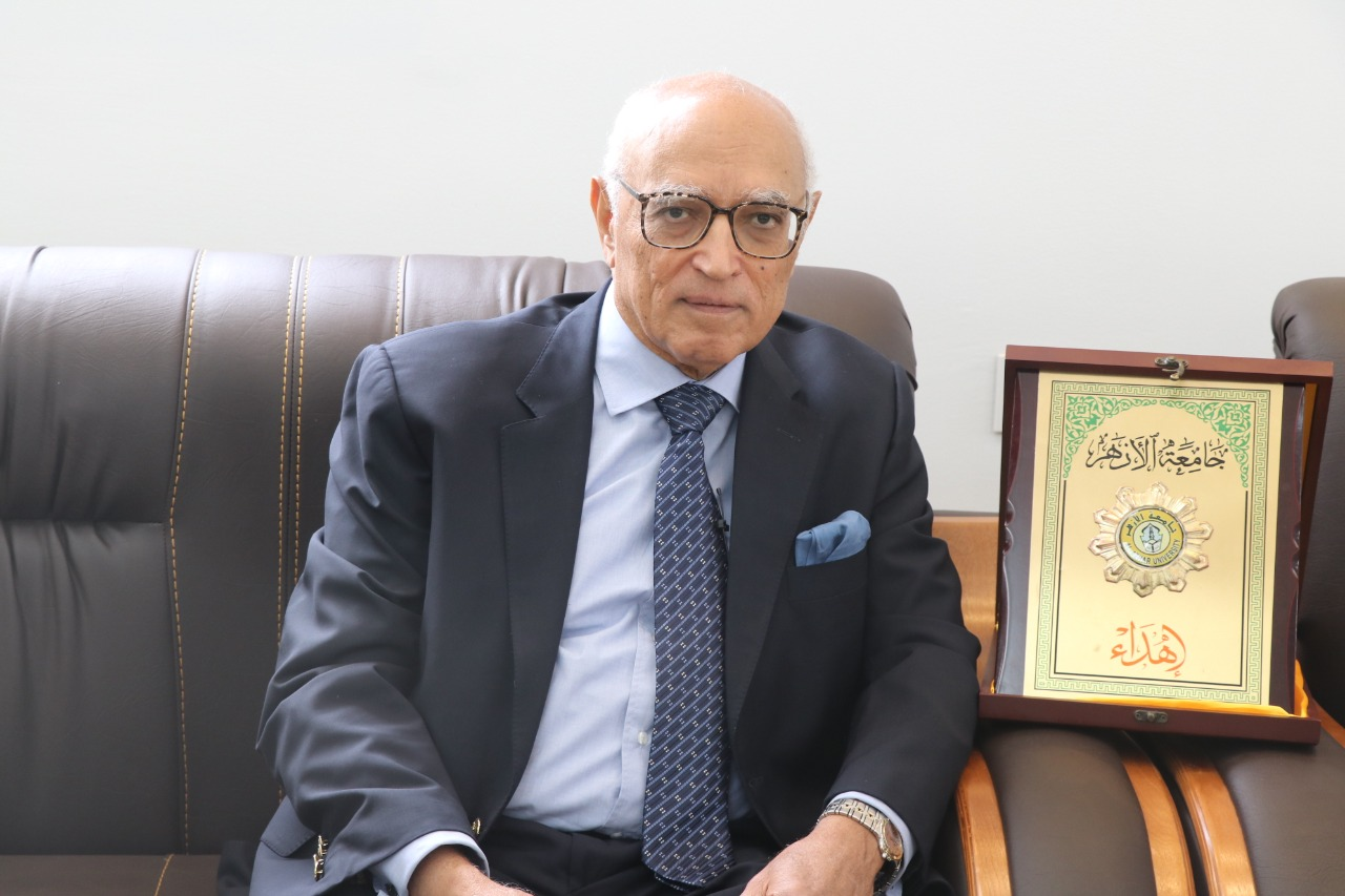 العالم الدكتور جمال ابو السرور