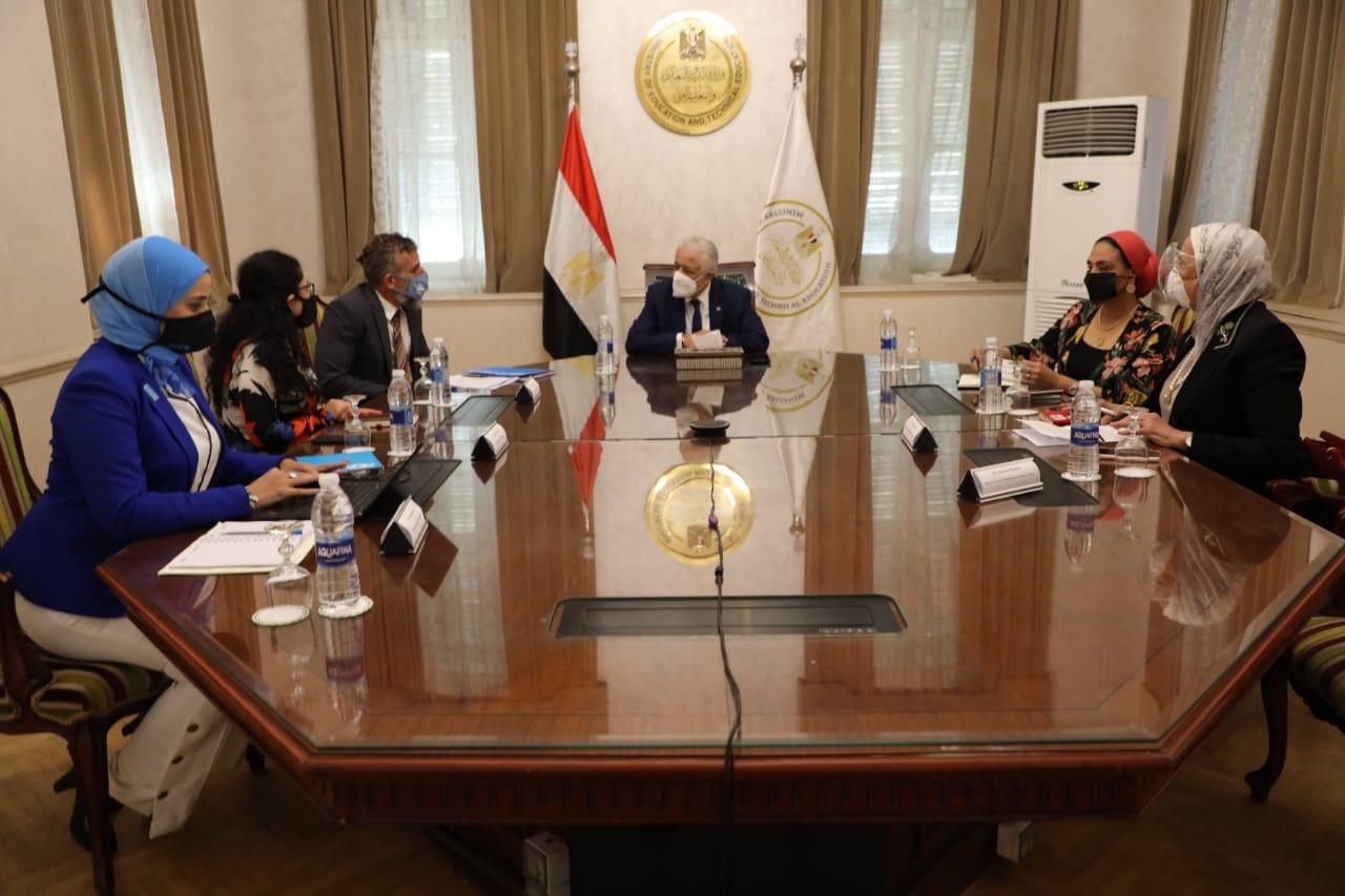 لدعم عملية إصلاح المناهج الدراسية.. وزير التعليم يبحث سبل التعاون مع اليونيسيف