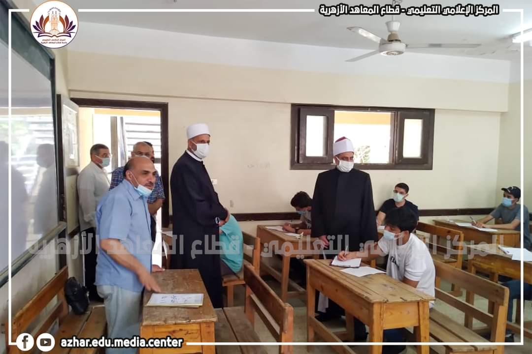 رئيس المعاهد الأزهرية يتفقد امتحانات القراءات بالجيزة