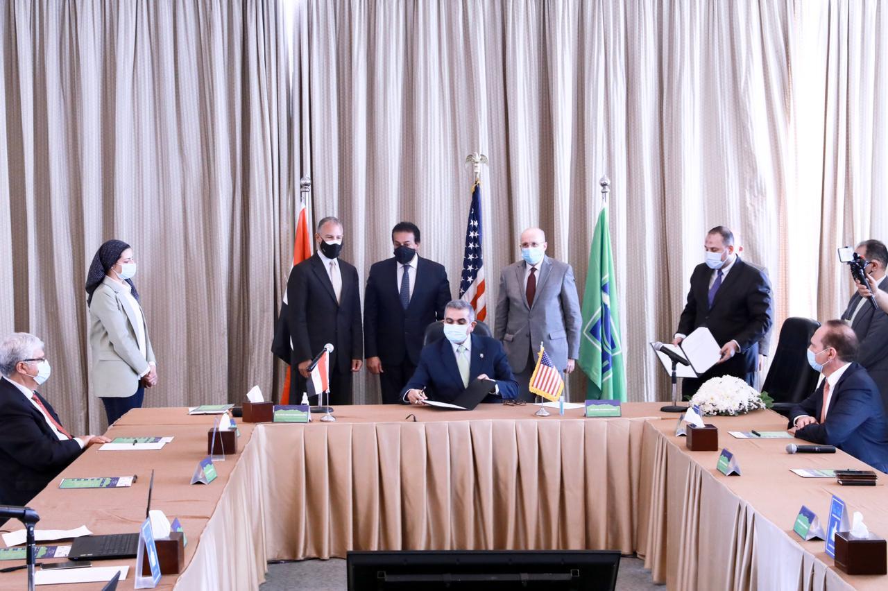 وزير التعليم العالي يشهد مراسم توقيع اتفاقية تعاون بين جامعتي الجلالة وأريزونا ستيت الأمريكية