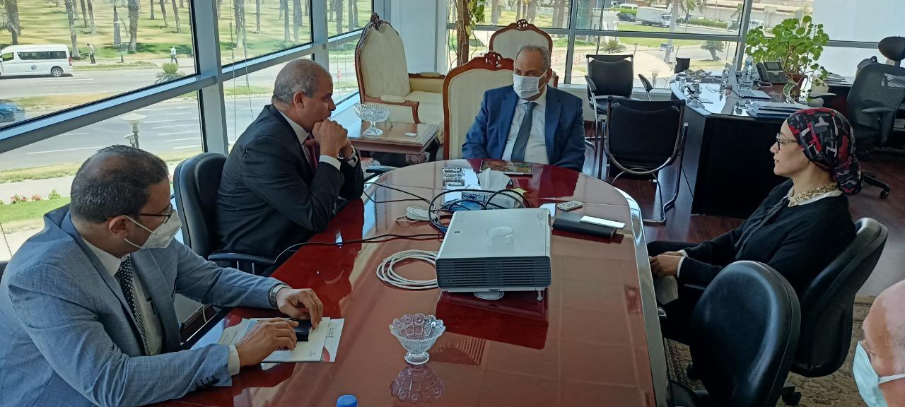 نائب وزير الاتصالات يشيد بمستوى أداء خريجي جامعة الأزهر