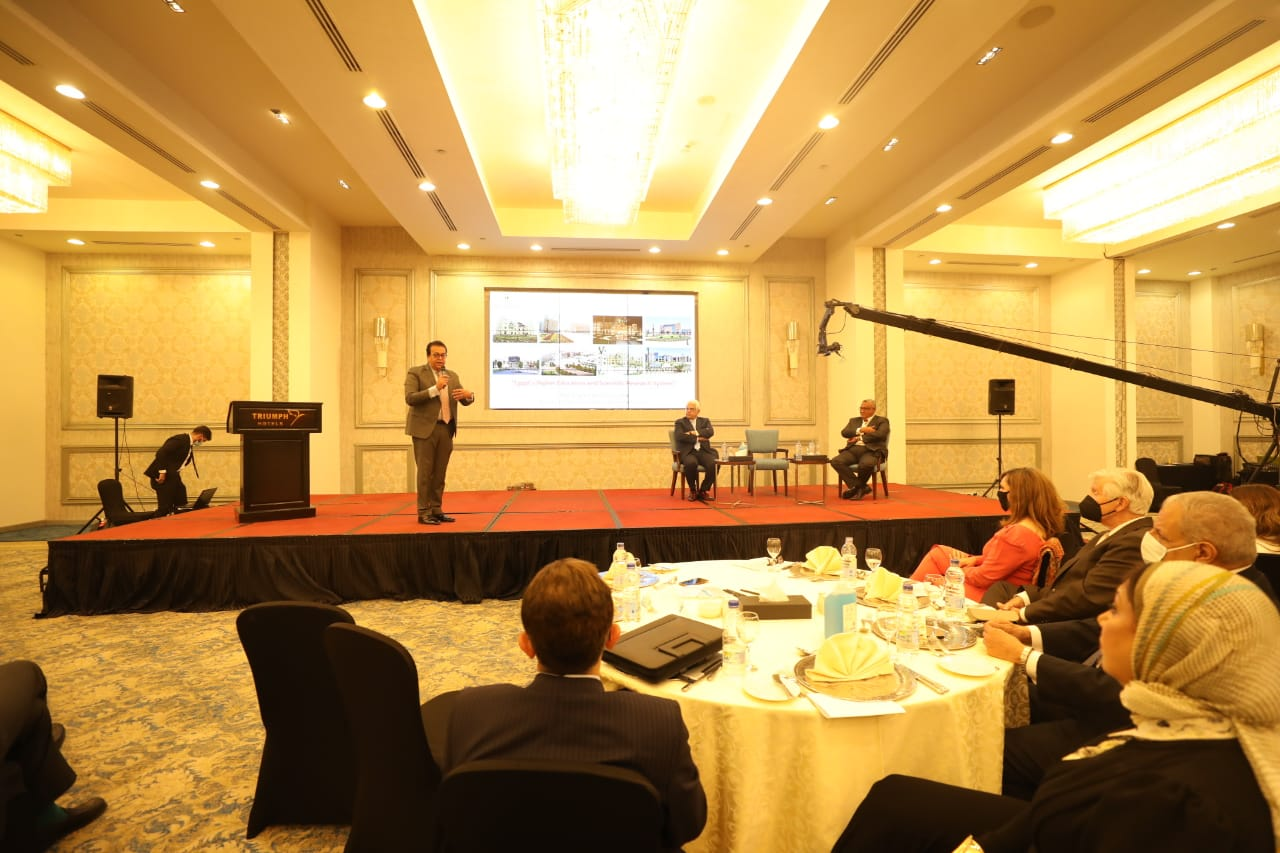 """وزير التعليم العالي يشهد فعاليات افتتاح مؤتمر """"بناء مجتمعات التعلم"""""""