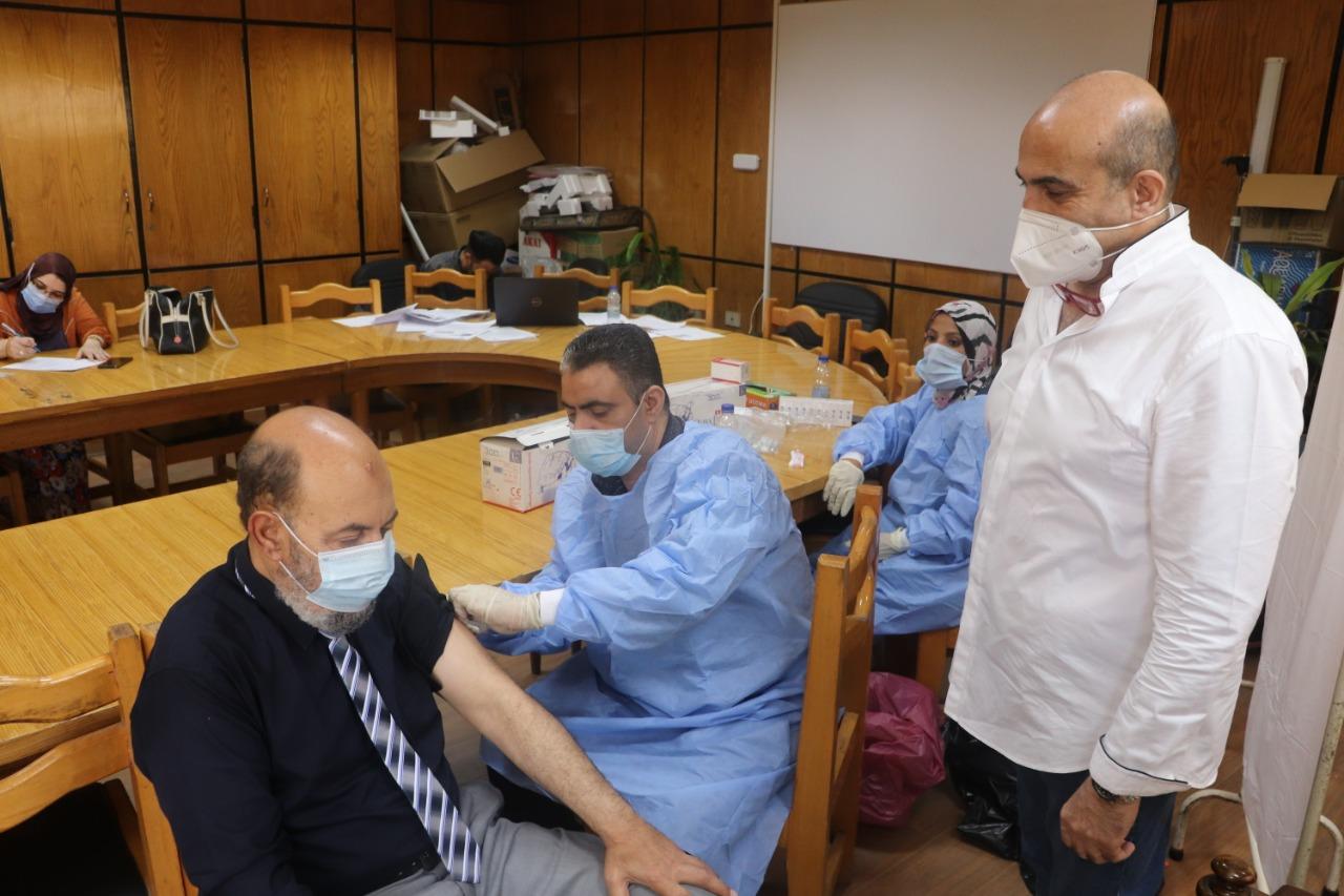 مقرات بجامعة الأزهر للتطعيم ضد فيروس كورونا بالمدن الجامعية والمستشفيات