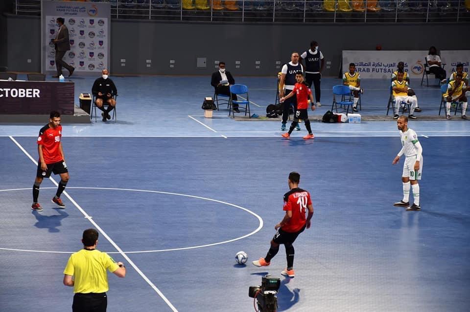 وزير الرياضة يفتتح بطولة كأس العرب لكرة قدم الصالات 2021